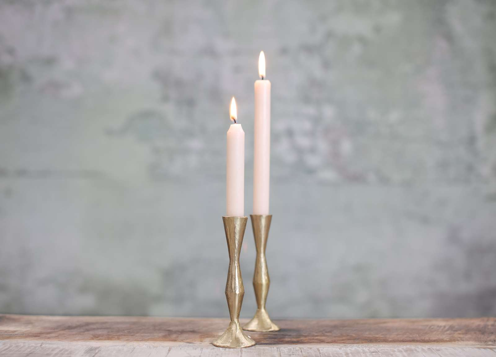 Gold candlesticks to rent for weddings and events