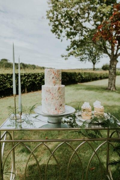 Outdoor wedding cake display